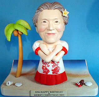 そっくり人形参考作品11-1 ハワイ おばあさんへ