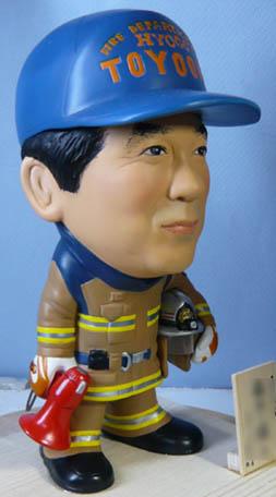 そっくり人形参考作品46-2消防士(拡声器)