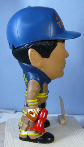 そっくり人形参考作品46-3消防士(拡声器)