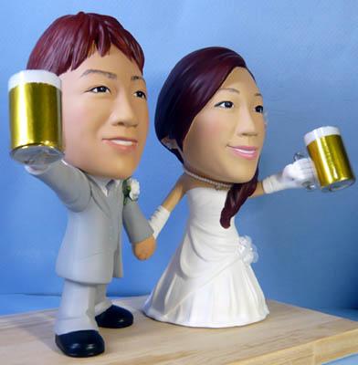 そっくり人形参考作品55-2ウェルカムドール ビールジョッキを持って
