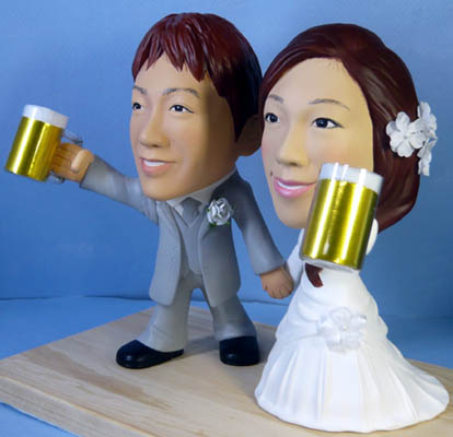 そっくり人形参考作品55-3ウェルカムドール ビールジョッキを持って